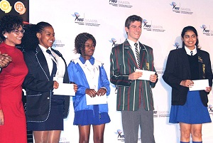 Left: Group Executive: Science Engagement and Corporate Relations at NRF, Dr Beverley Damonse, with National Science Olympiad winners of the London International Youth Science Forum trip, from left; Precious Kaunda-Mpumalanga, Josephine Tsubane-Free Statement, Graham Mitchell –Gauteng and Aleta Sibi-Eastern Cape.